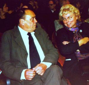 """2002 Christa Wolf liest ihren Text """"Nagelprobe"""" zu Günther Uecker im Leipziger Gewandhaus, mit Uecker im Mendelssohn-Saal Foto: Gerhard Gäbler"""
